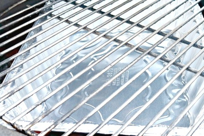 Sparkling clean grill grates