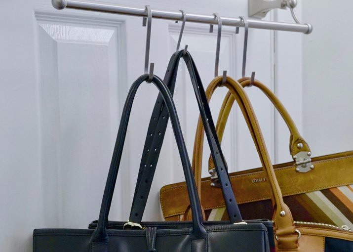 Using towel rail and S-hooks to hang purses