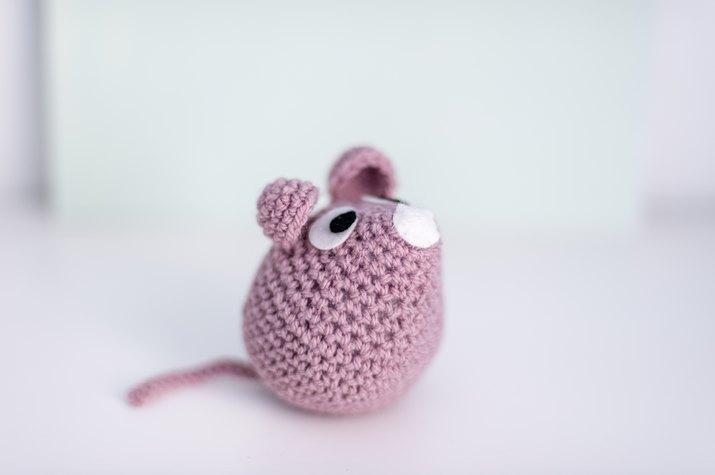 Handmade crocheted mouse (amigurumi)