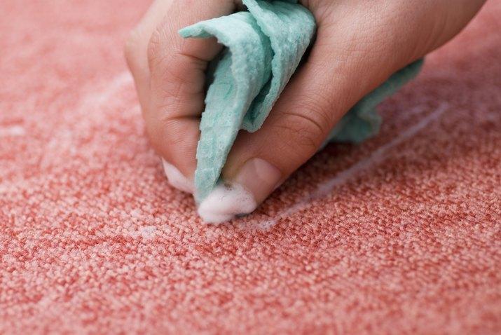 cleaning red carpet - Fleck entfernen