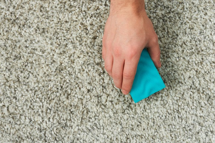 Cleaning gray carpet