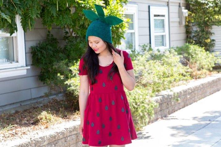 Simple no-sew strawberry costume