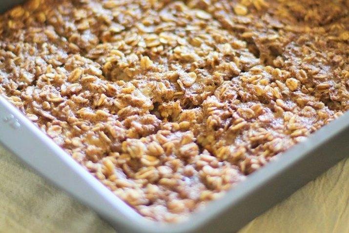 A pan of freshly baked oatmeal.