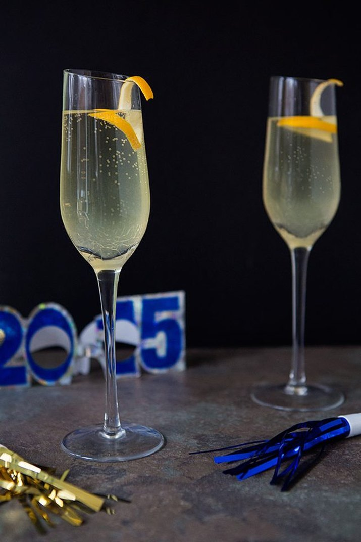 Recipe for a French 75 cocktail.