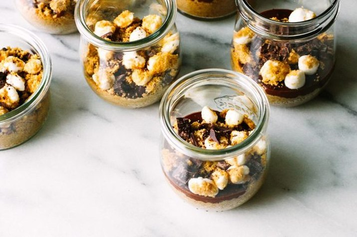 S'mores mixtures packed in individual jars.