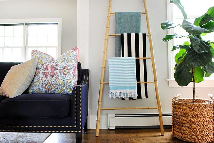 DIY Blanket Bamboo Ladder