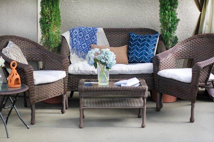 A set of patio furniture.