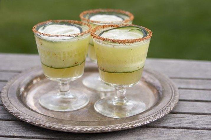 How to make a cucumber-mint margarita.