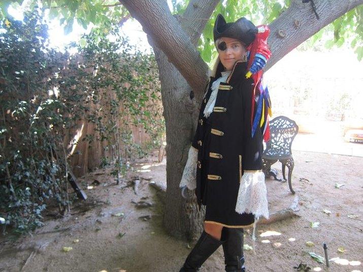 Female pirate costume idea