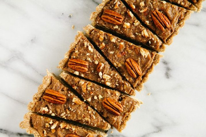 A line of no-bake pecan slices placed side-by-side.