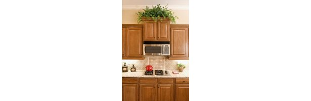 What Color Granite Countertops Go With Light Maple ... on What Color Granite Goes With Maple Cabinets  id=85082